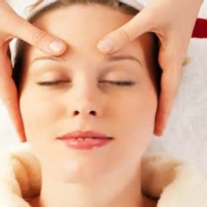 Remove Forehead Wrinkles with Massage